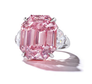2018_GNV_16112_0311_000(the_pink_legacy_a_sensational_coloured_diamond_ring)